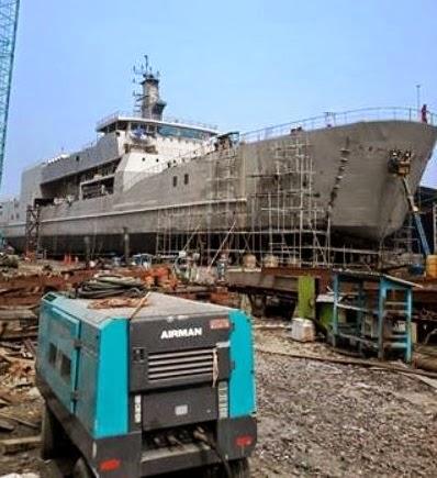 KRI Teluk Bintuni dalam proses finishing. Sumber foto: Saibumi.com