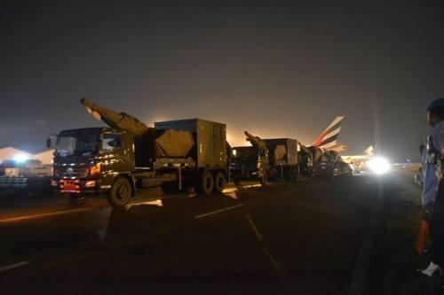 Skyshield TNI AU berikut Command Post diangkut dengan truk.