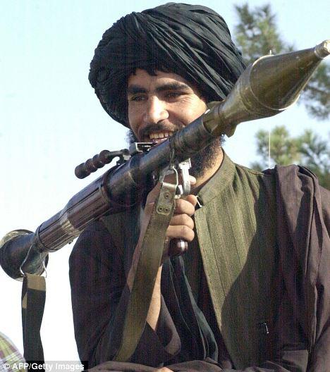 Pengoperasian RPG-7 terbilang mudah dipelajari, tapi RPG-7 tidak akrab digunakan penembak kidal.