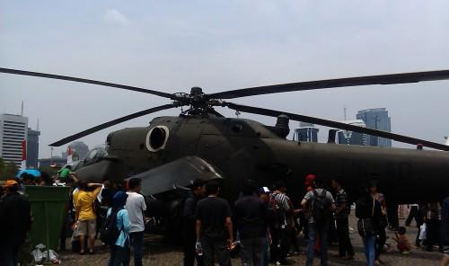 Mi;35P menjadi obyek perhatian dalam Pameran Alutsista TNI AD.