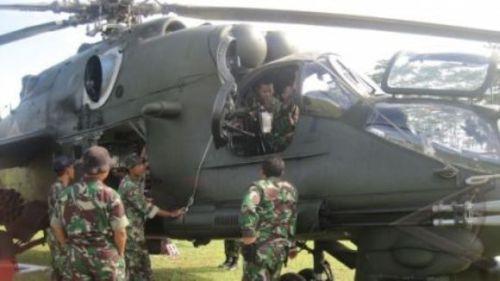 tni-cek-helikopter-mi-35p-untuk-latgab-2012