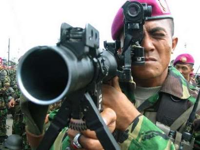 RPG-7 (ATGL-L) Marinir TNI AL dilengkapi dengan pembidik optik.