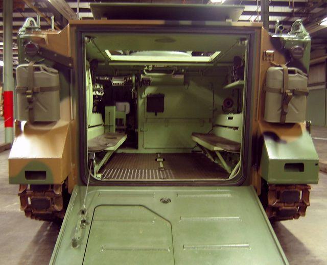 Interior ruang personel infanteri di M113 A1