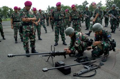 Kesiapan penembak NTW-20 Marinir TNI AL.