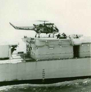 Wasp pada deck HMS Eskimo.