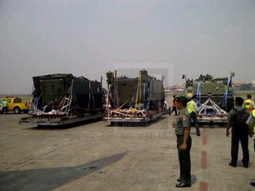 M113 A1 tiba di bandara Soekarno Hatta (Foto: ARC)