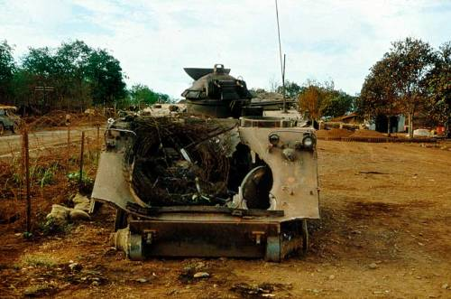 M113 yang mengalami total loss dalam pertempuran