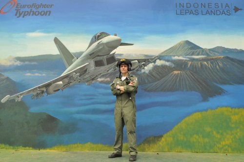 Paul Smith, test pilot Tyohoon.