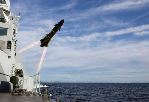 RBS-15 MK3 meluncur dengan booster.
