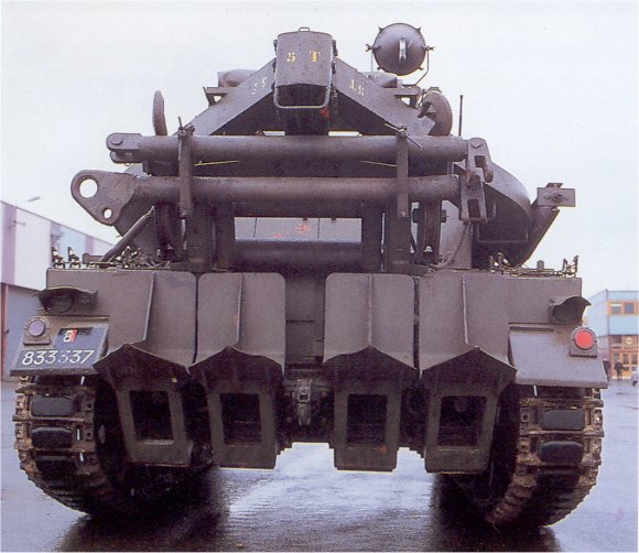 AMX-13_Recovery_France_03