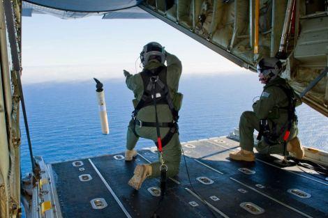 Marker buoy digunakan pada saat misi pencarian pesawat Malaysia Airlines MH370 di Samudera Hindia.