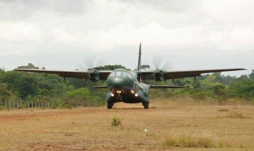 C-295 menujukkan demo STOL.