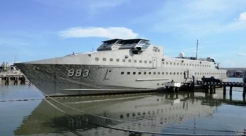 KRI Karang Banteng 983.