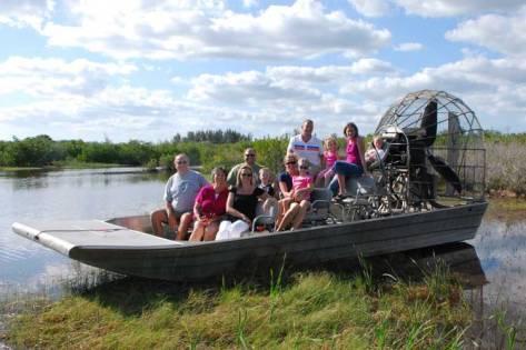 Swamp boat juga kondang untuk tujuan wisata di AS.