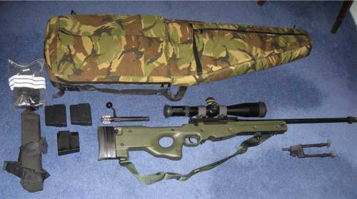 Perlengkapan full set sniper Accuracy International Arctic Warfare.
